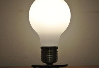90'S Light Bulb Table Lamp